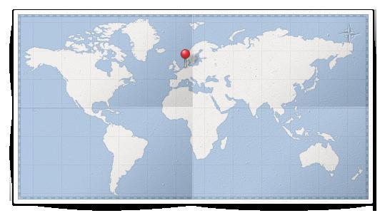 Карта мира с воткнутой булавкой