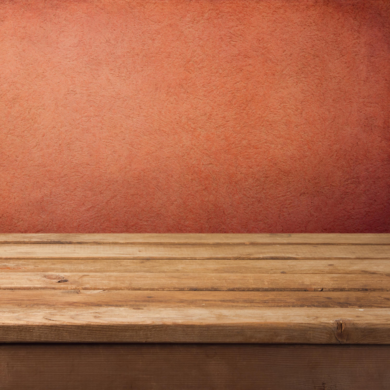 красная текстурная стена