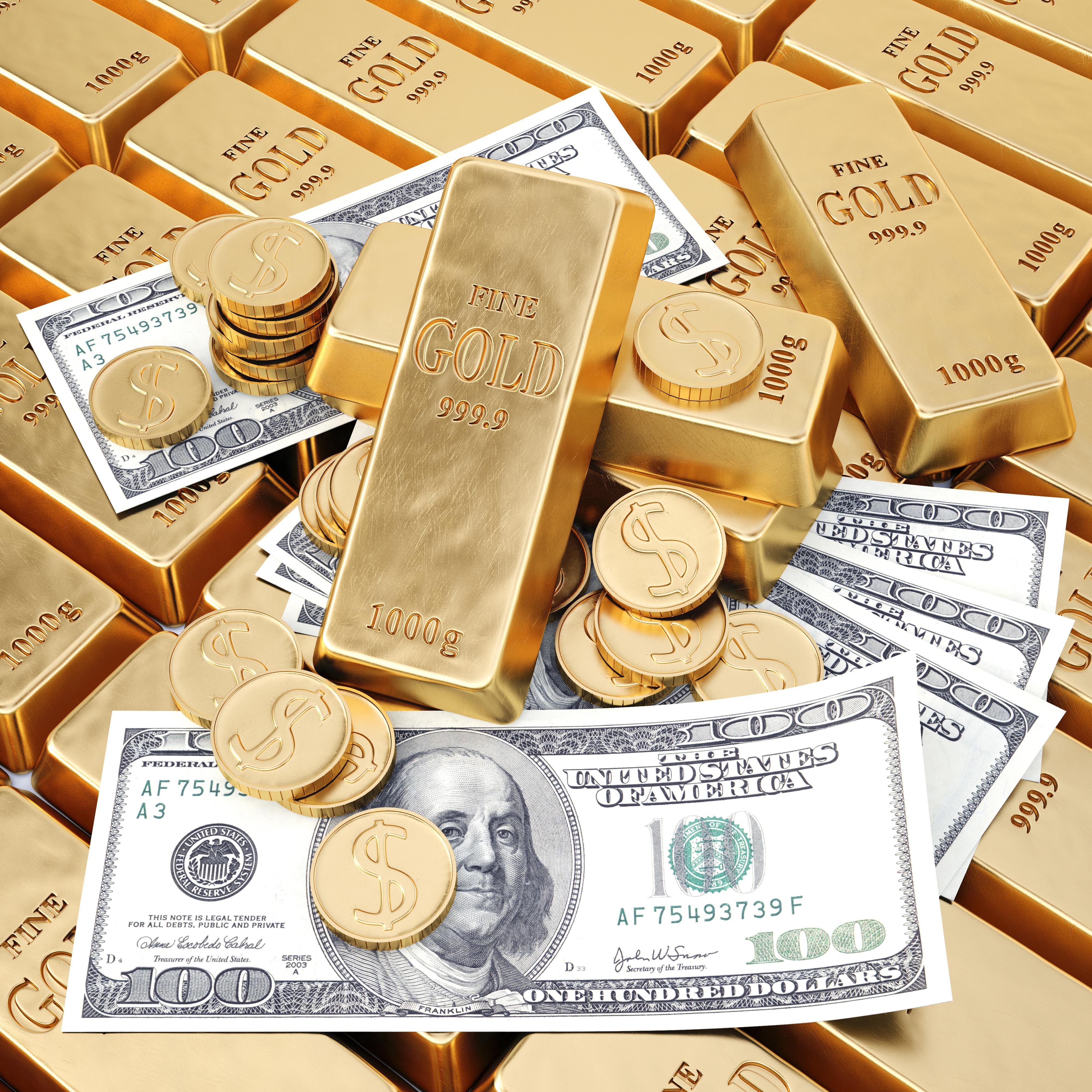 Золотые монеты, доллары и слитки