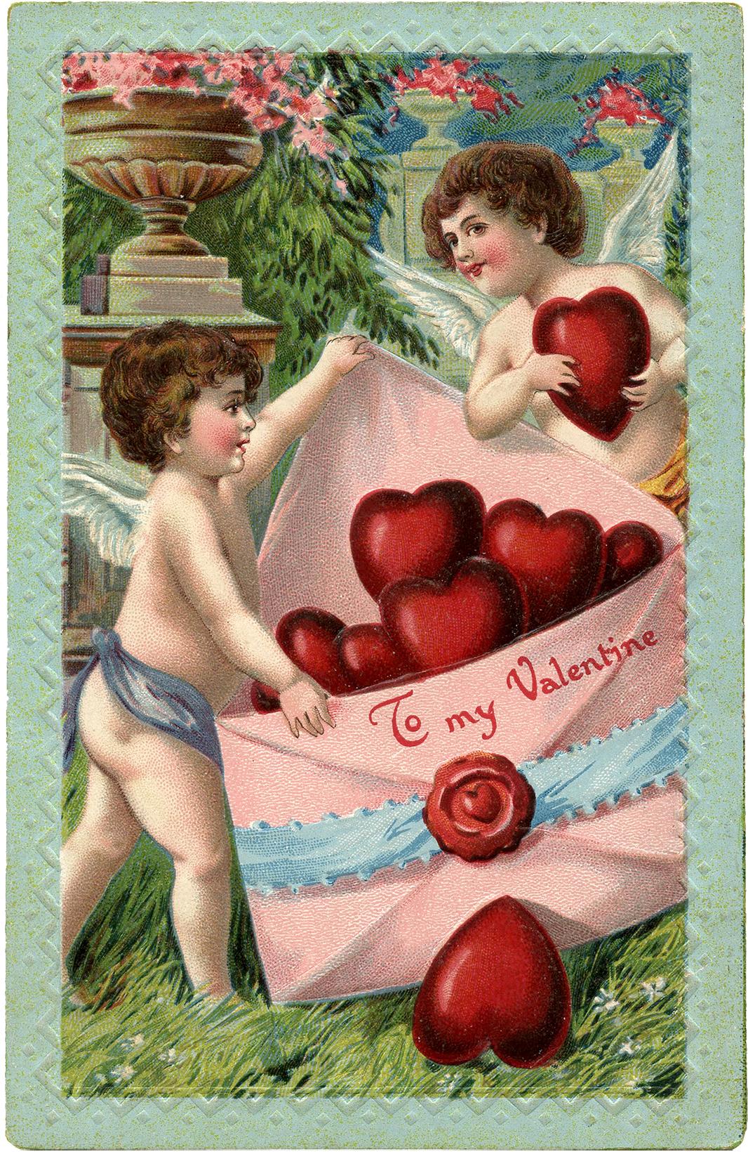 Винтажная валентинка с купидонами принесшими сердца в конверте