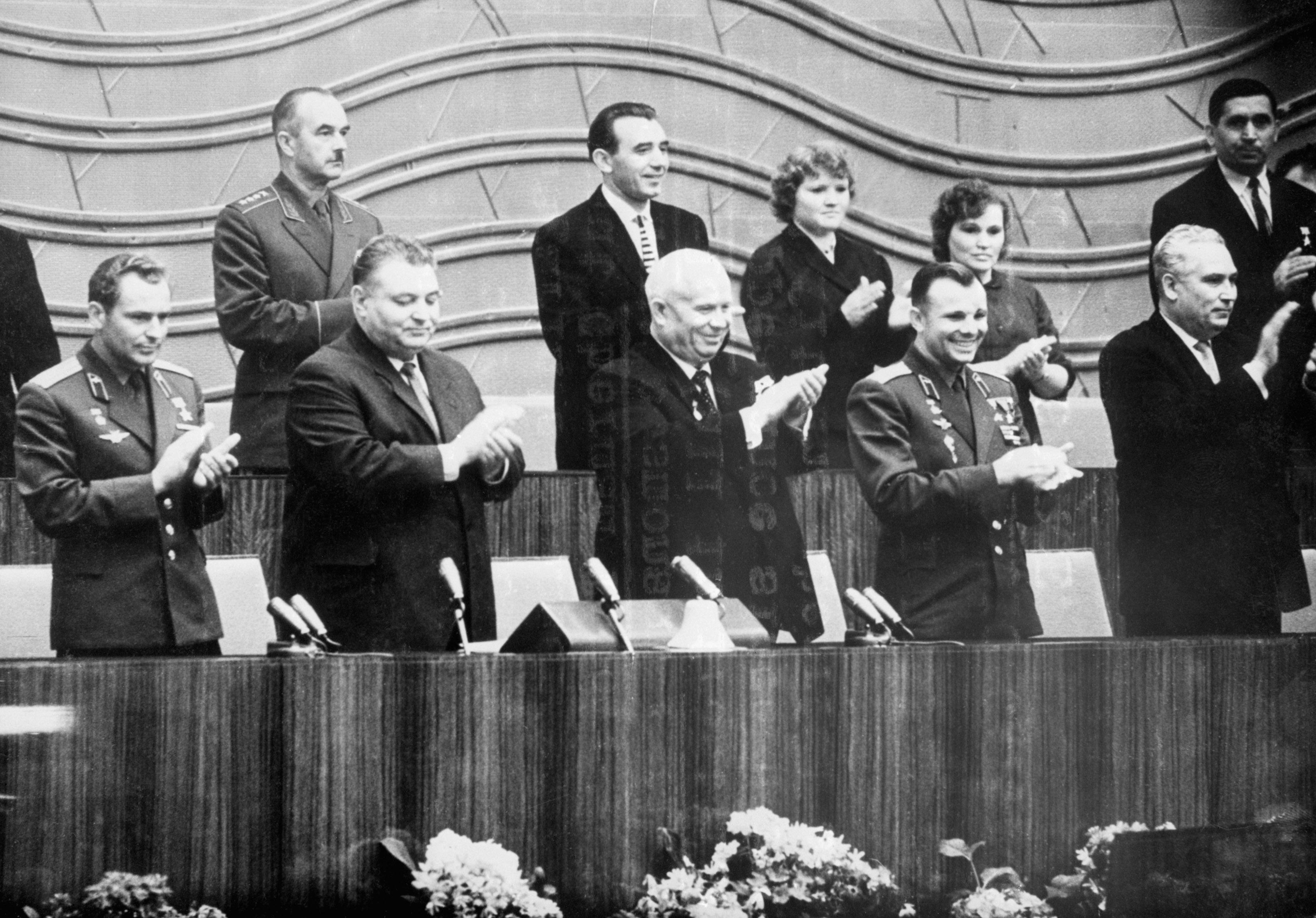 Н. С. Хрущев и Юрий Гагарин - фотография с высоким разрешением